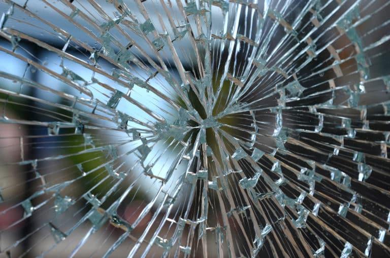 Effektiver Schutz bei Glasbruch durch die Splitterschutzfolie!