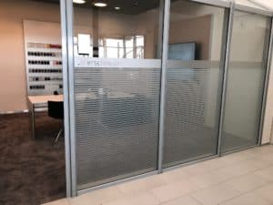Glasdekor setzt Designakzente in Ihrem Büro oder auch daheim!